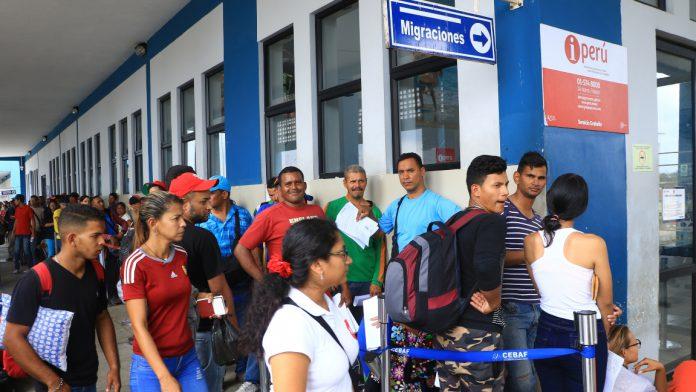 Mano de obra y capital humano de migrantes venezolanos impulsa crecimiento del PIB peruano