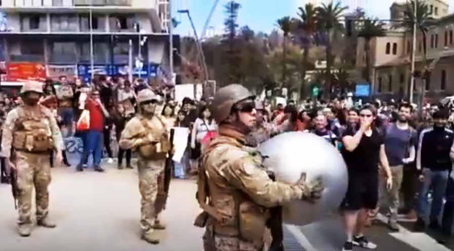 Jugando a la pelota tras los asesinatos: La limpieza de imagen iniciada por los uniformados