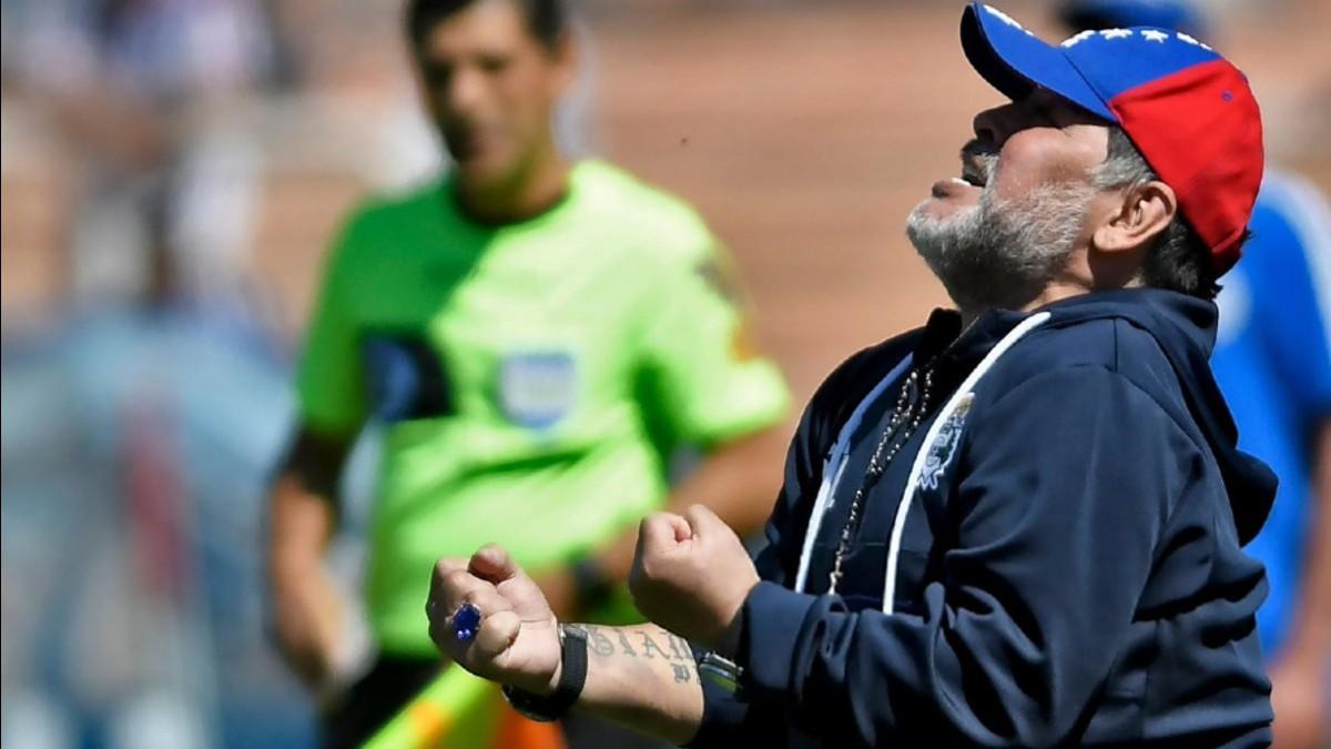 (Video) ¡Al fin! Maradona gana primer partido como entrenador