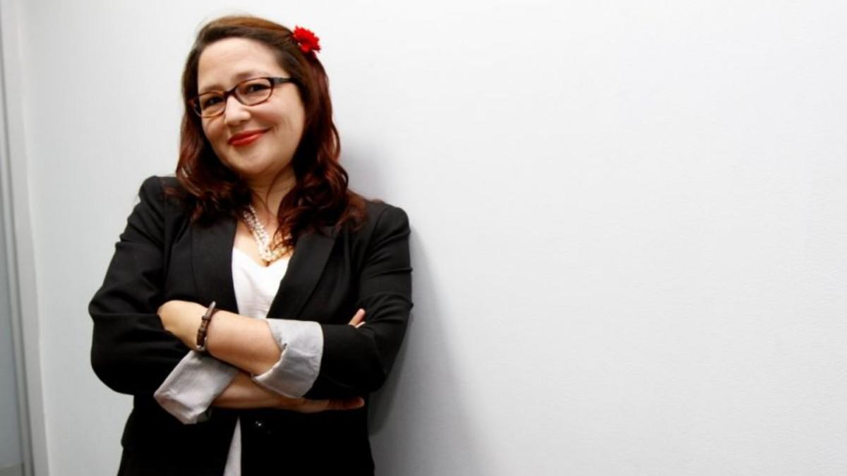 """Activista Larissa Arroyo : """"Es demagógico decir que va a cumplir con regular el aborto sin precisar cuándo y cómo"""""""
