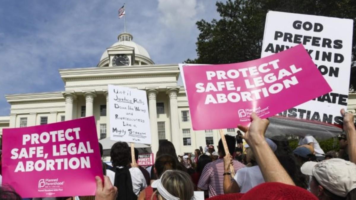 ¡Un logro para las mujeres en EE. UU.! Juez frena proyecto de ley que prohíbe el aborto