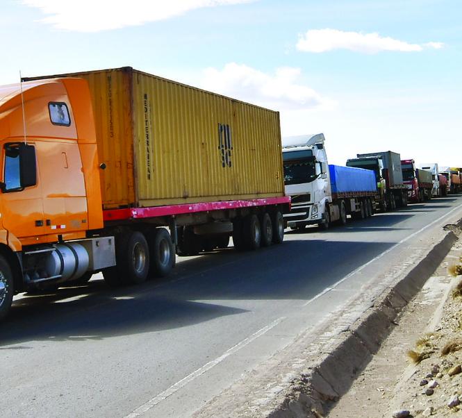 Transporte pesado boliviano demandará a la Terminal Puerto de Arica de Chile