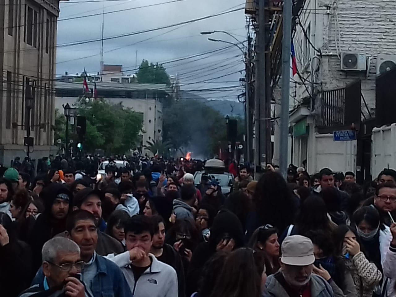 Protesta nacional en El Maule: Un muerto en Curicó y disparos al cuerpo en Talca
