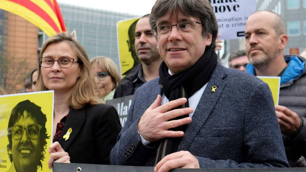 Un tribunal belga aplaza revisión de extradición del expresidente catalán Carles Puigdemont