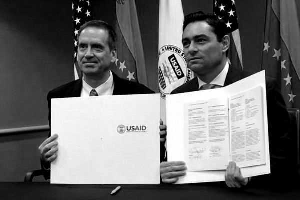 Usaid desvía dinero de estadounidenses para llenar bolsillos de Guaidó y sus amigos