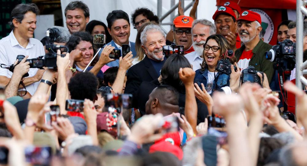 Líderes de América Latina celebran liberación de Lula da Silva