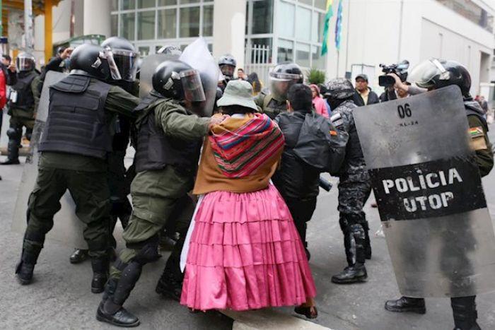 (+Audio filtrado) Mensaje de Camacho ordena censurar pruebas de la #MasacreEnBolivia