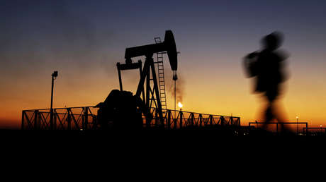 Irán descubre un masivo yacimiento petrolero