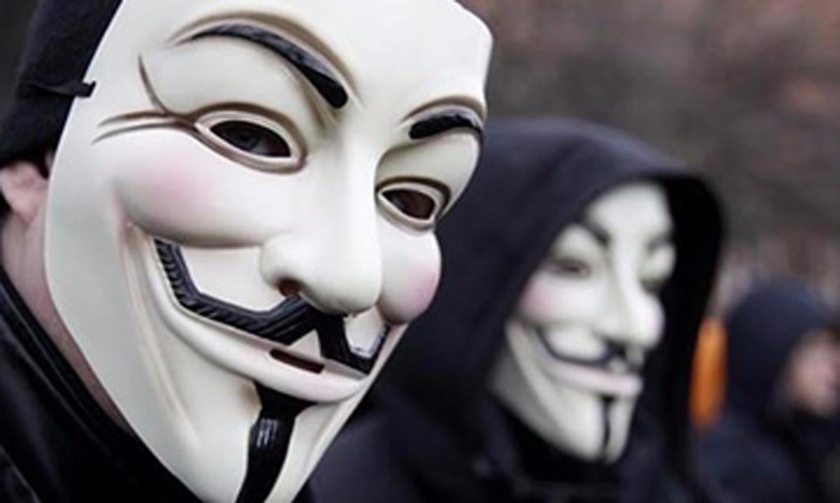 ¿»Sexo y violencia»?: La no Feliz Navidad que Anonymous le regaló al poder