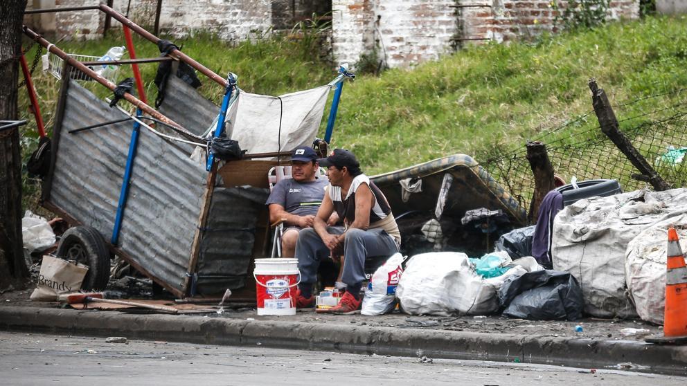 Argentina: 50,2 % de la población no tiene acceso a agua, gas o cloacas