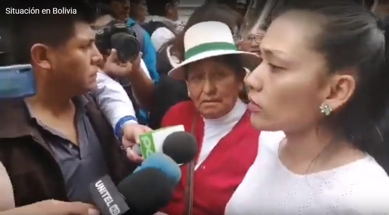 (Videos) Policía boliviana impide el paso a parlamentarios del MAS al Congreso