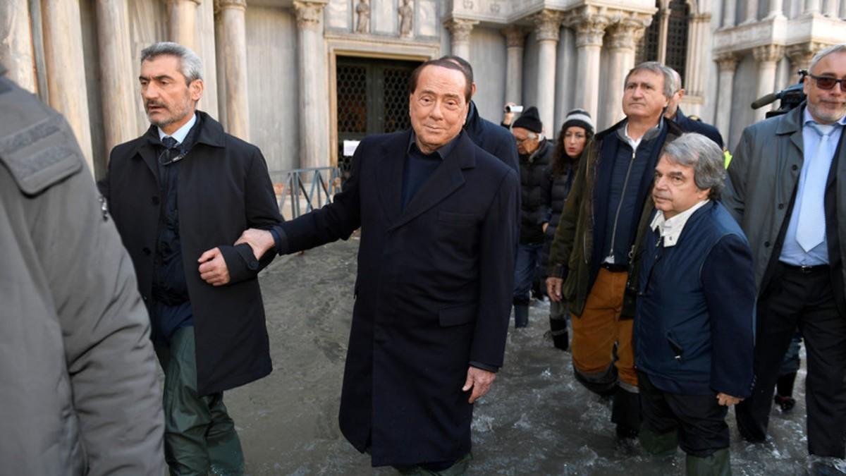 (Foto) Consejo italiano rechaza medidas contra el calentamiento global y a los minutos se les inunda el salón