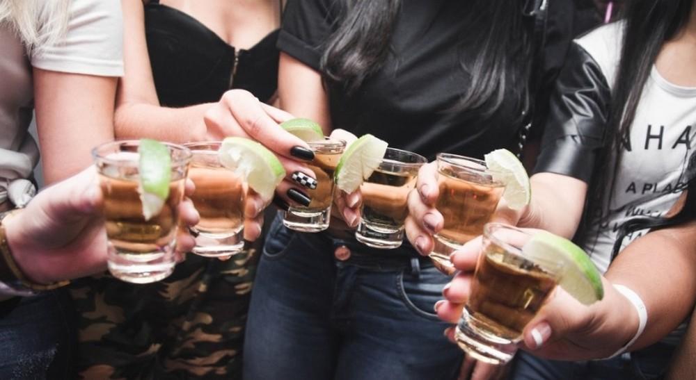 El alcohol es la principal droga que consumen los jóvenes