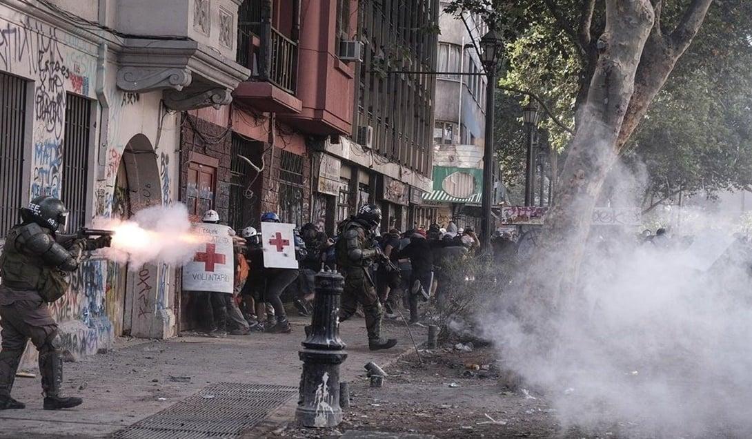 Voluntarios de primeros auxilios hastiados de violencia policial en su contra: Hoy marchan e interponen acción judicial