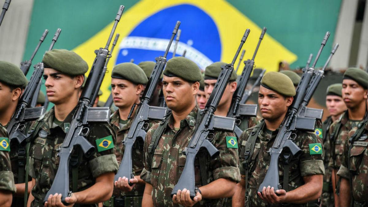 Debaten ley de uso de armas por las  fuerzas de seguridad en Brasil