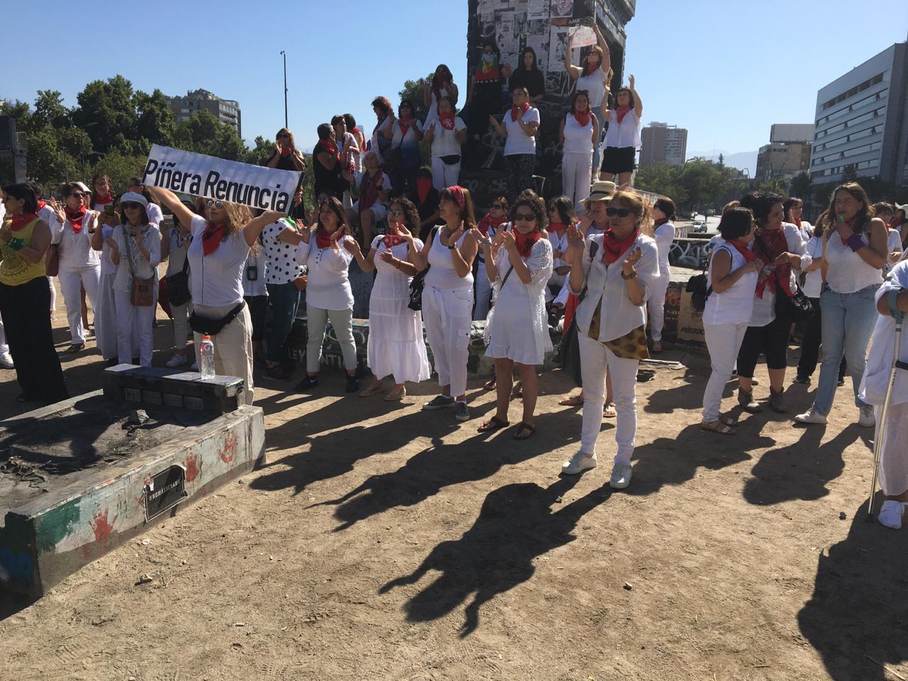 Lya González, de las Madres de la Primera Línea: «Los cabros corrieron el cerco de lo posible»
