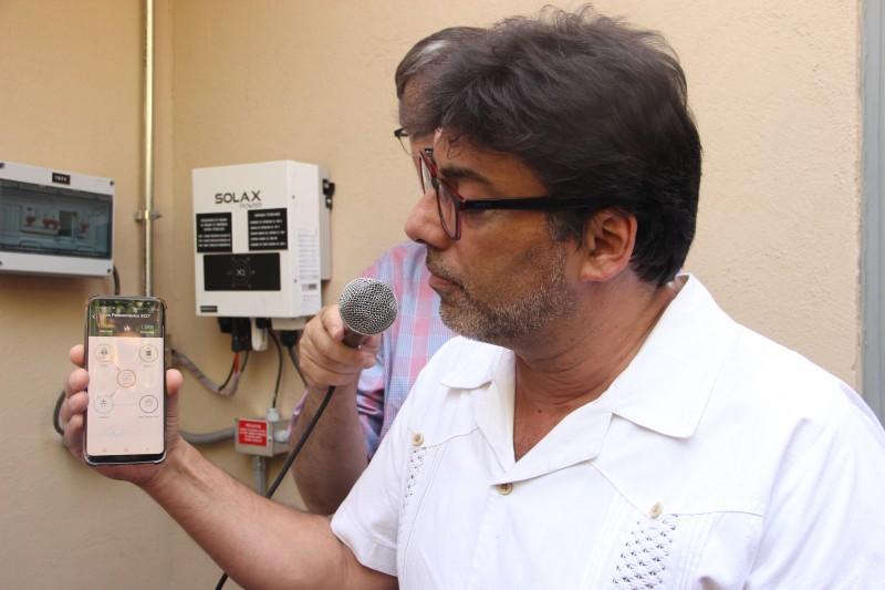 «Energía popular»: El proyecto de la Municipalidad de Recoleta para reducir a cero la cuenta de la luz