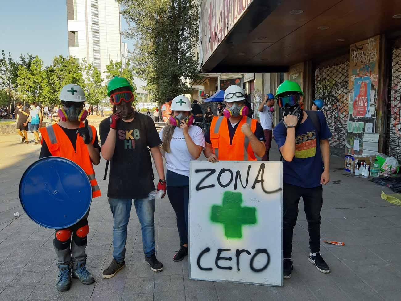 Intendente Guevara descontrolado: Carabineros infraccionó por Ley de Tránsito a voluntario de Plaza de la Dignidad