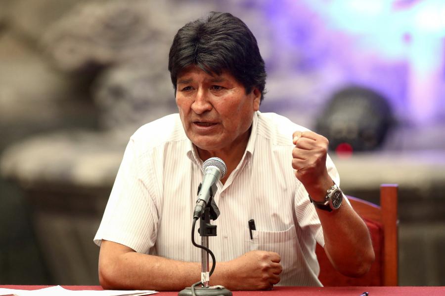 Evo Morales y jefe de Estado de Argentina se reunieron en la residencia presidencial