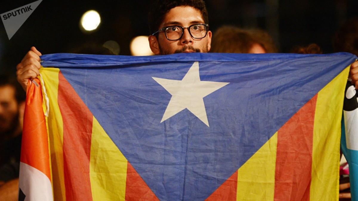 Fueron liberados los empresarios y políticos que apoyaban al expresidente catalán Puigdemont
