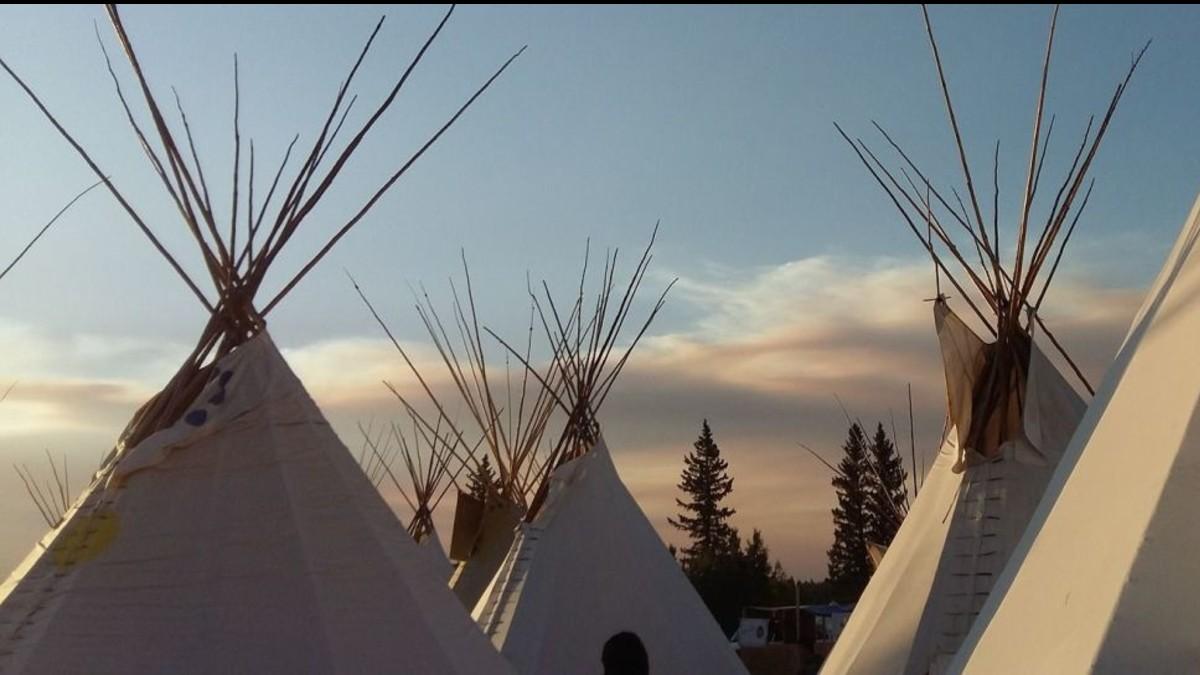 Indígenas canadienses protestan en contra de la invasión de su territorio