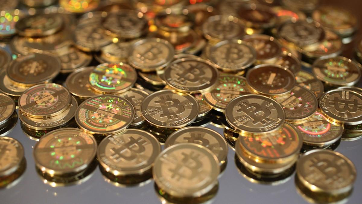 Bitcoin se aproxima a una volatilidad navideña este viernes 25 cuando 100.000 opciones de BTC expiren