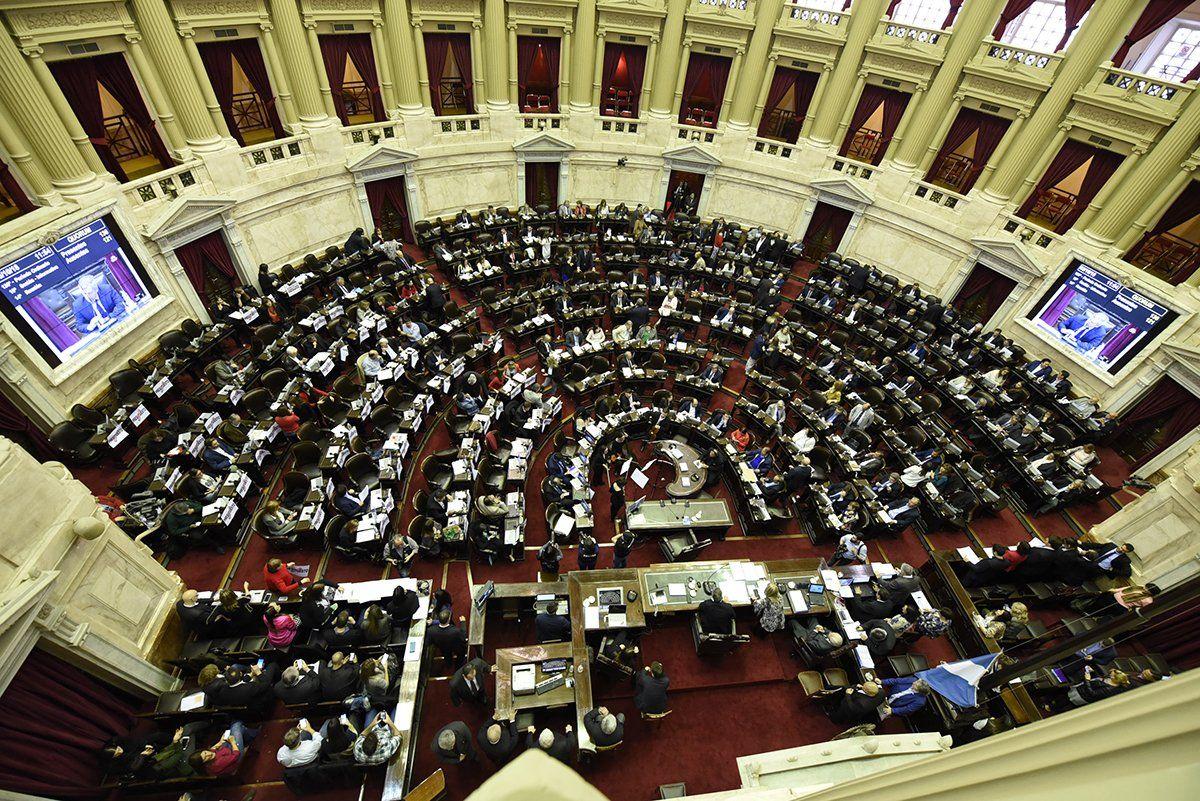 Cámara de diputados en Argentina aprueba impuesto a la riqueza