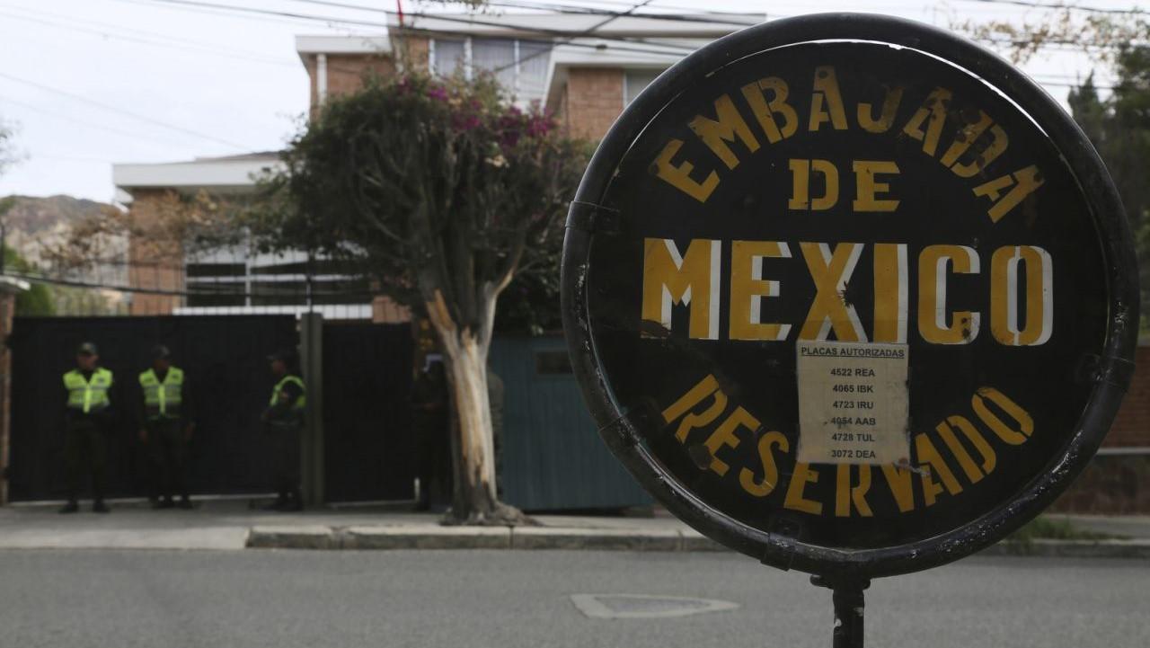 En respuesta al gesto hostil del gobierno de facto de Bolivia, España expulsa a diplomáticos bolivianos