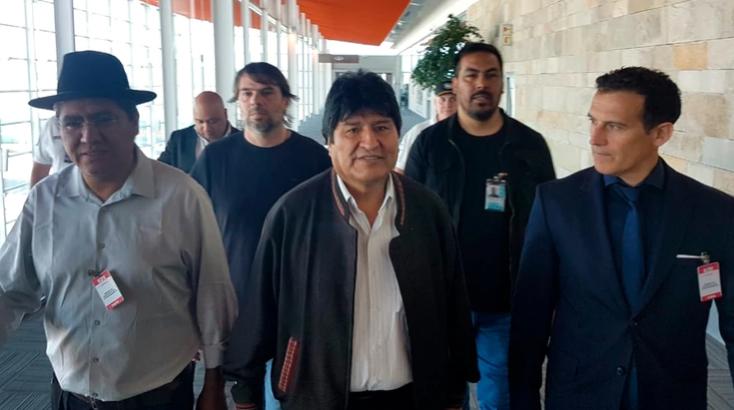 Evo Morales llegó a Argentina como refugiado político