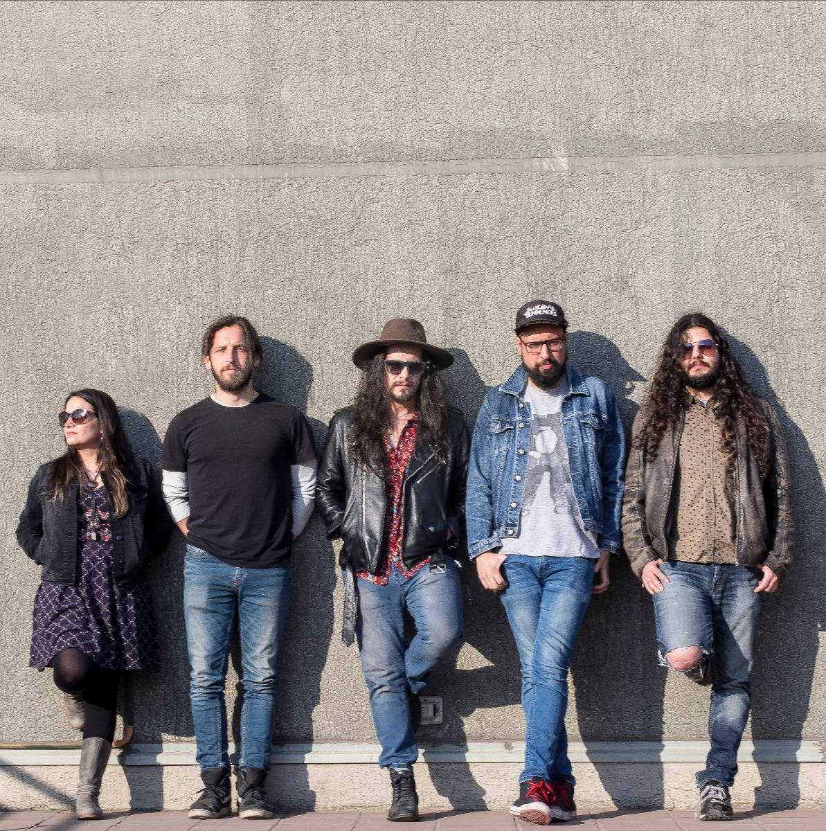 """Los Makana y su single Tragamonedas: """"No puede ser que unos pocos se enriquezcan, mientras otros terminan en la calle"""""""
