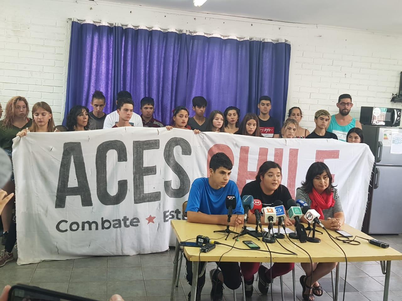 ACES por represión en PSU: «Es antipedagógico tener en las salas a quienes han mutilado, torturado y violado»