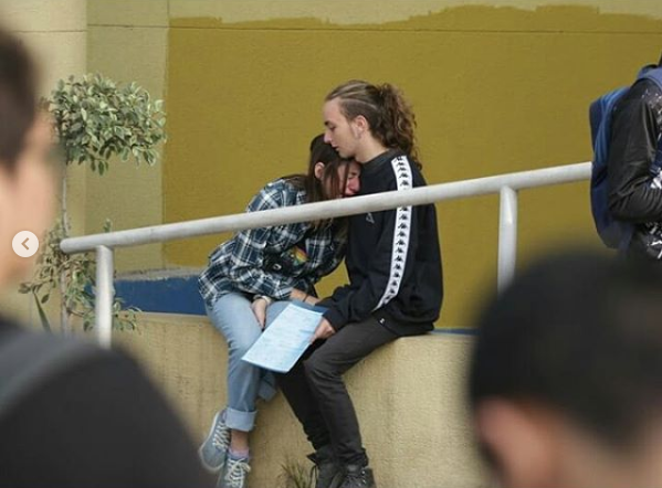 «Apruebo toda movilización contra la PSU»: Joven funa a Kast y a medios por uso de foto durante crisis de ansiedad