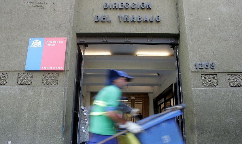 Grave: Dirección del Trabajo dictaminó que quienes no puedan asistir a sus trabajos podrían no recibir remuneración