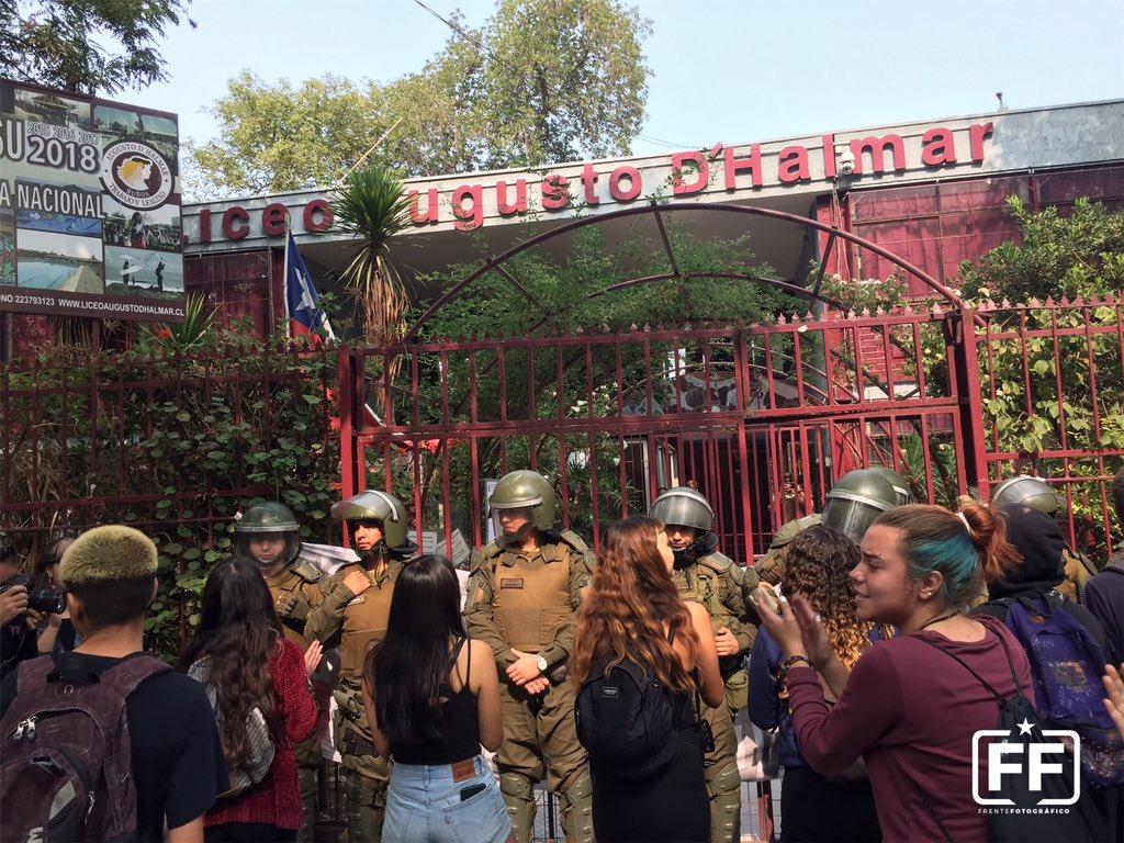 PSU: Continúa suspensión y manifestaciones en sedes de todo Chile
