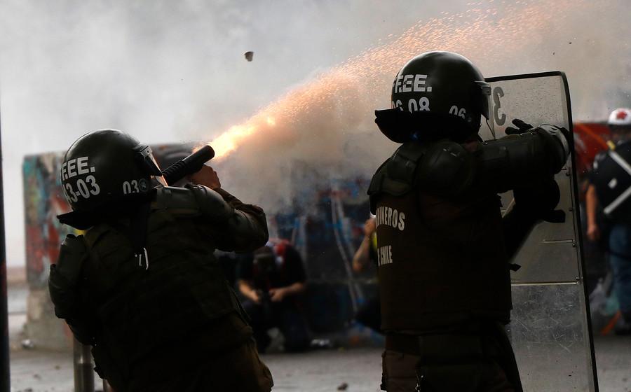 Concepción: Formalizarán a 8 carabineros por apremios ilegítimos, lesiones y falsificación de un parte policial