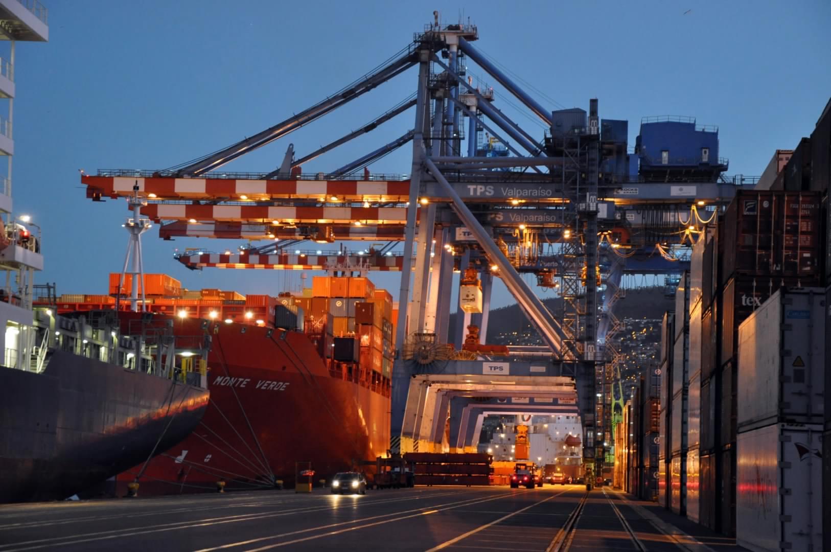 Comercio exterior de Chile alcanzó los US$ 130.761 millones en 2020 y exportaciones recuperan los niveles pre-pandemia