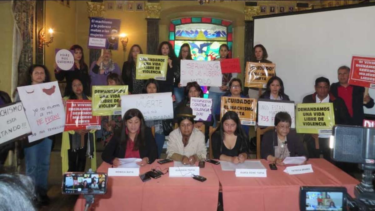 Activistas bolivianas exigen al Gobierno de facto atención a los feminicidios
