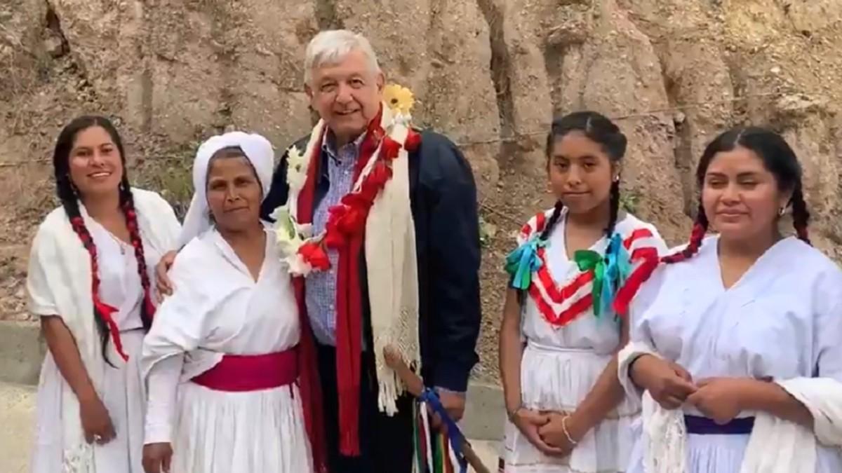 (Video) Presidente mexicano visita comunidades indígenas en Oaxaca