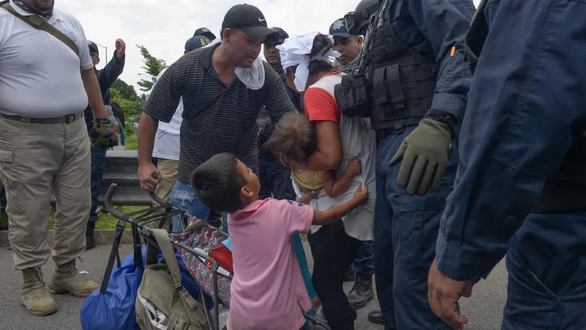 Activistas por los derechos humanos denuncian al Gobierno de México por detención de migrantes