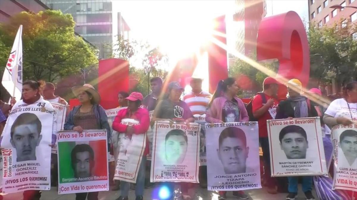 México: buscan a uno de los 43 estudiantes de Ayotzinapa tras la aparición de una foto en redes sociales