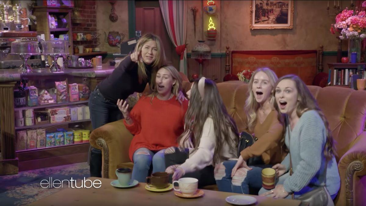 (Video) Jennifer Aniston vuelve a encarnar a Rachel y sorprende a fans de Friends