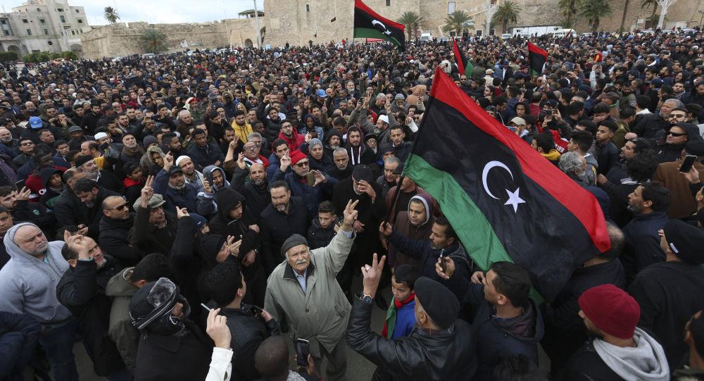 Cancilleres de Rusia y Turquía anuncian progresos en negociación de paz sobre Libia