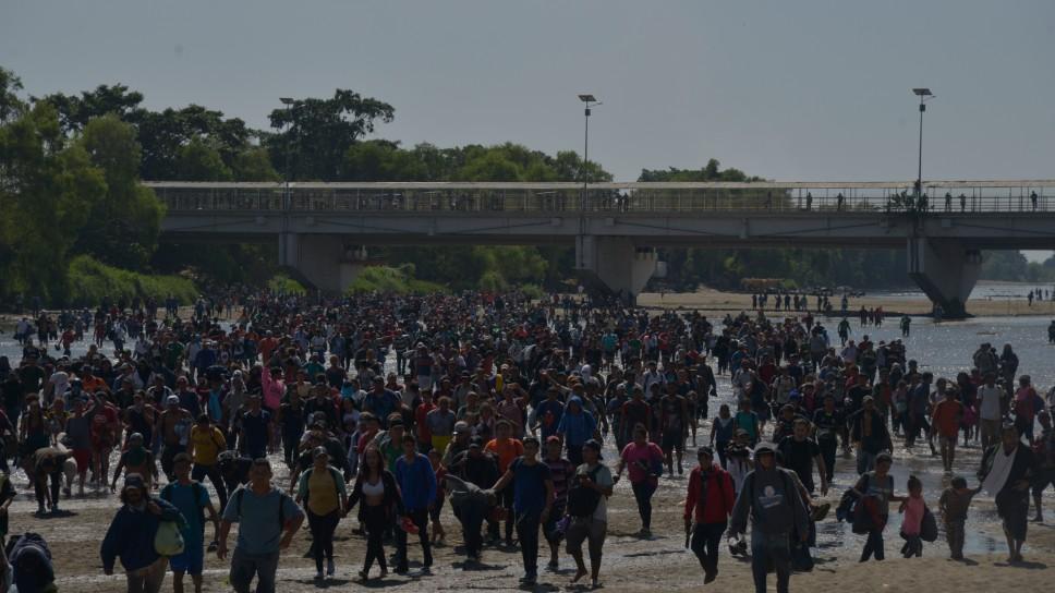 Chantaje o seguridad: ¿Por qué México frena el paso a la caravana de migrantes?