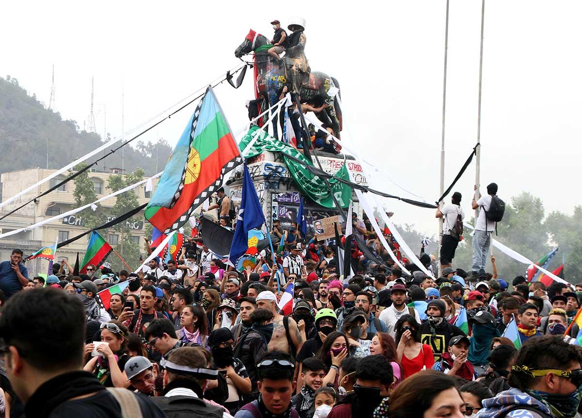 """""""Marcha de todas las barras"""": Hinchas convocan a manifestación por Jorge Mora en Plaza Dignidad"""
