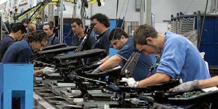Gobierno de Argentina decreta aumento salarial para el sector privado