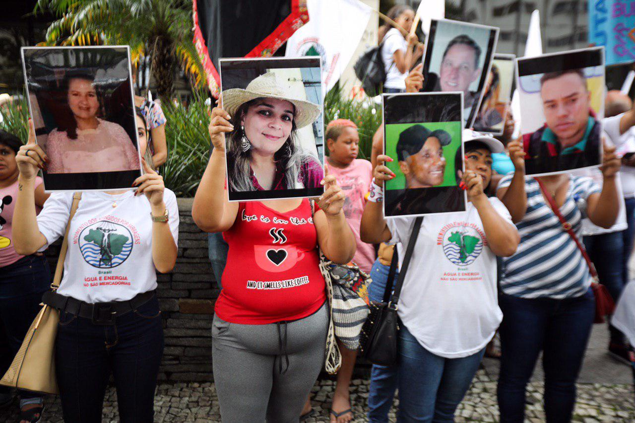 A un año de la tragedia de la presa de Brumadinho, brasileños marchan para exigir justicia y reparación