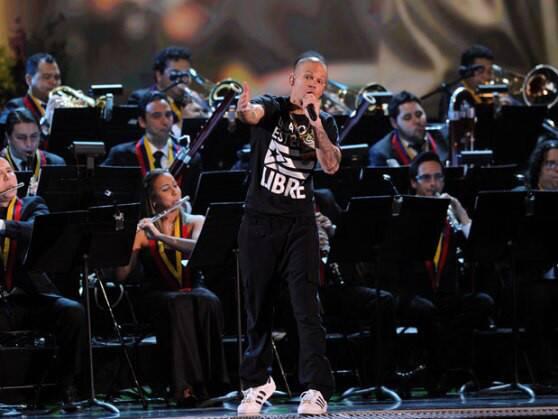 """""""Residente"""" cantará con la Filarmónica de Los Ángeles bajo la batuta del venezolano Gustavo Dudamel"""