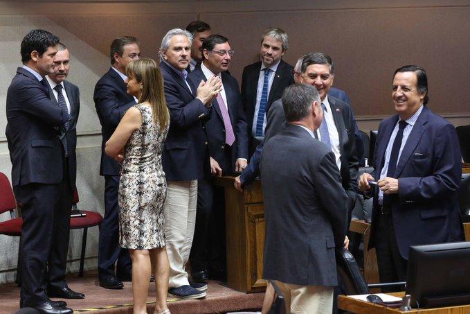Por falta de quorum, se frenó en el Senado la acusación contra el intendente de Santiago