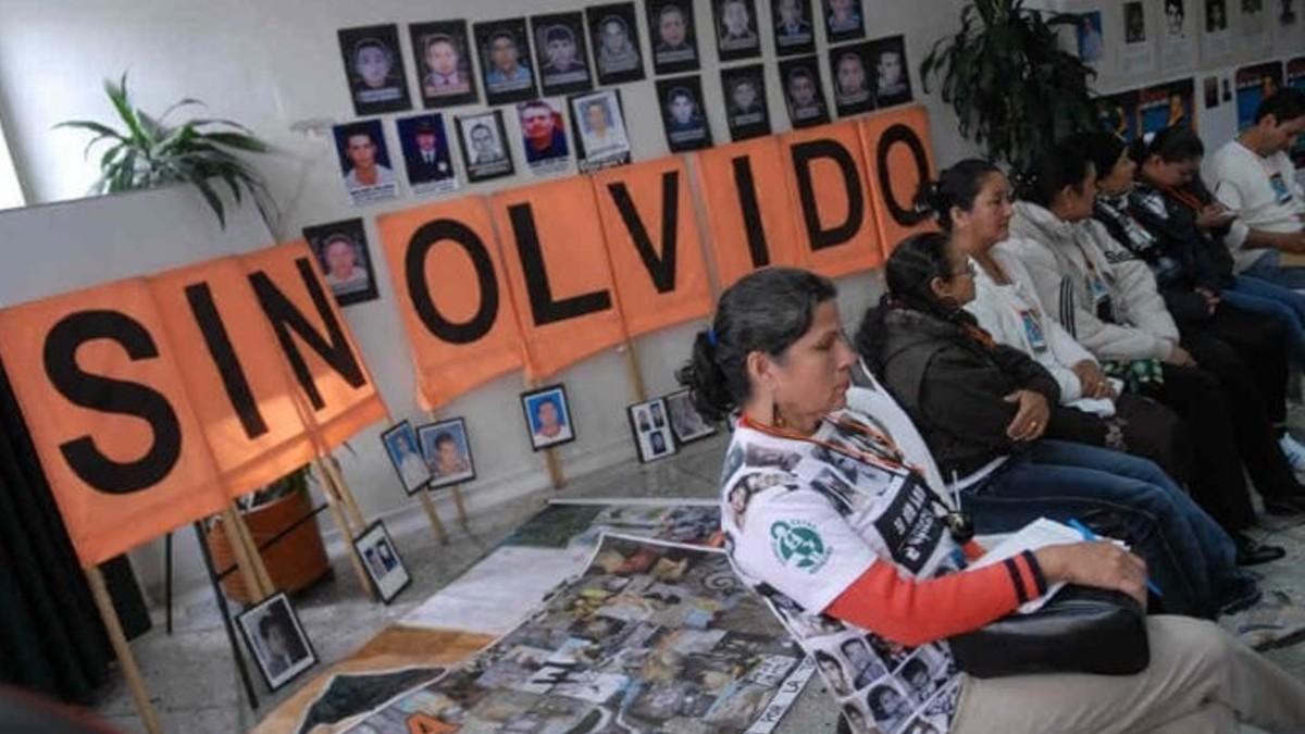 Víctimas del conflicto en Colombia exigen renuncia al director del Centro de Memoria Histórica