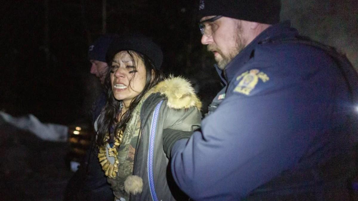 Canadá: Arrestados manifestantes indígenas por oponerse a construcción de gasoducto